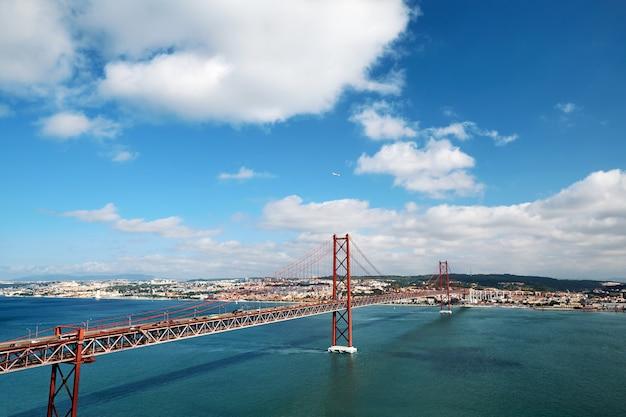 Pont du 25 avril au portugal