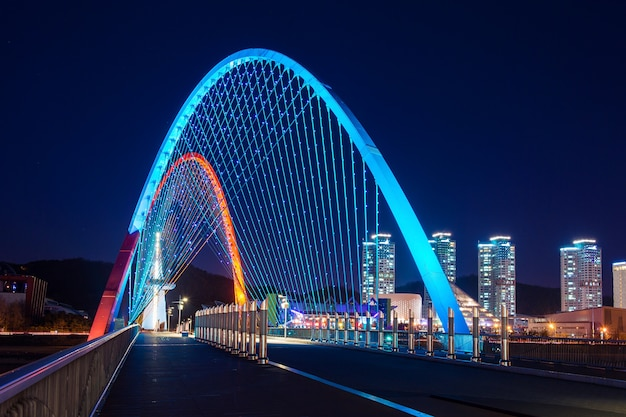 Pont expro de nuit à daejeon, corée