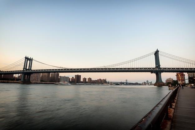 Pont de manhattan au coucher du soleil