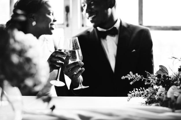 Pont et le marié le jour du mariage