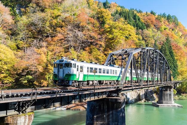 Pont noir fukushima rivière tadami japon