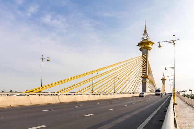 Pont à nonthaburi en thaïlande