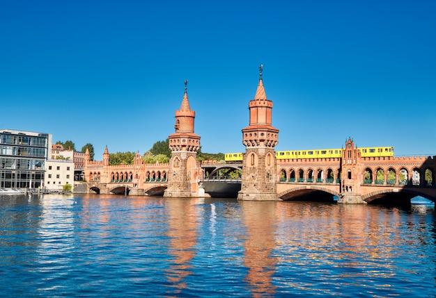 Pont oberbaum (oberbaumbruecke) à berlin