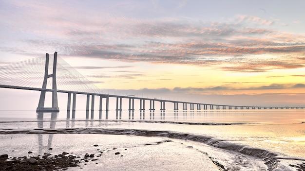 Pont pont vasco da gama à lisbonne portugal