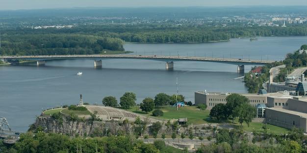 Pont sur la rivière des outaouais, ottawa, ontario, canada