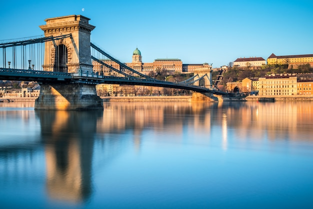 Pont suspendu à budapest, hongrie