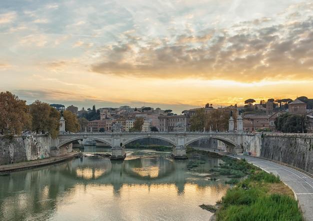 Pont de victor emmanuel ii et basilique saint-pierre