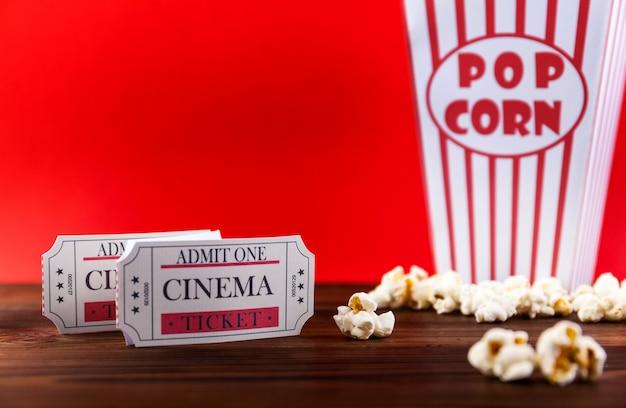 Popcorn avec des billets