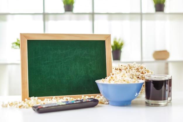 Popcorn dans un bol en verre