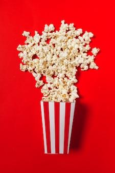 Popcorn sur le rouge