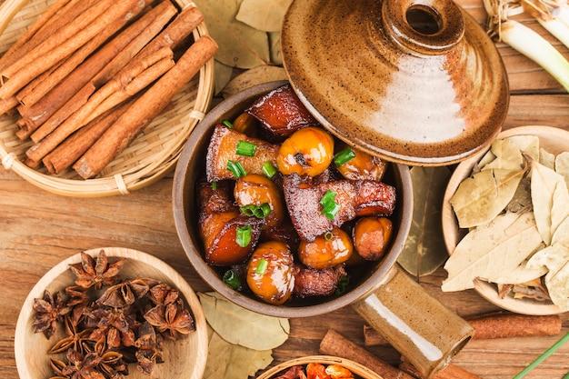 Porc braisé aux marrons, cuisine chinoise