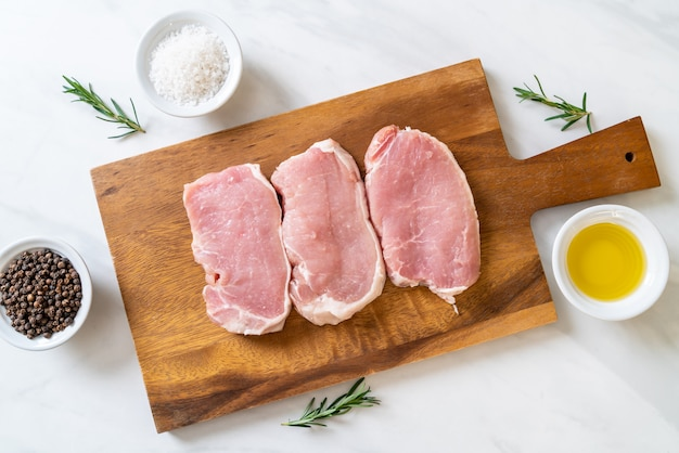 Porc frais cru