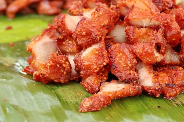 Porc frit à la nourriture de rue