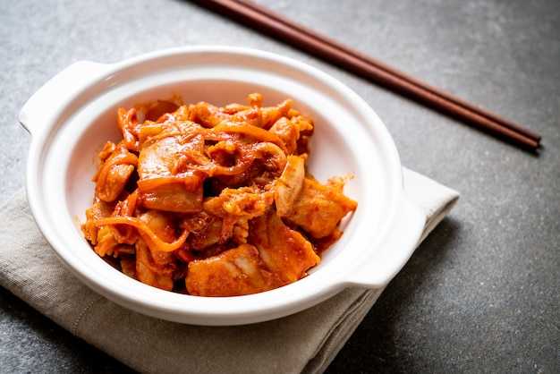 Porc sauté au kimchi