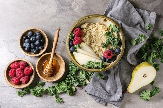Porrige de quinoa avec chou frisé