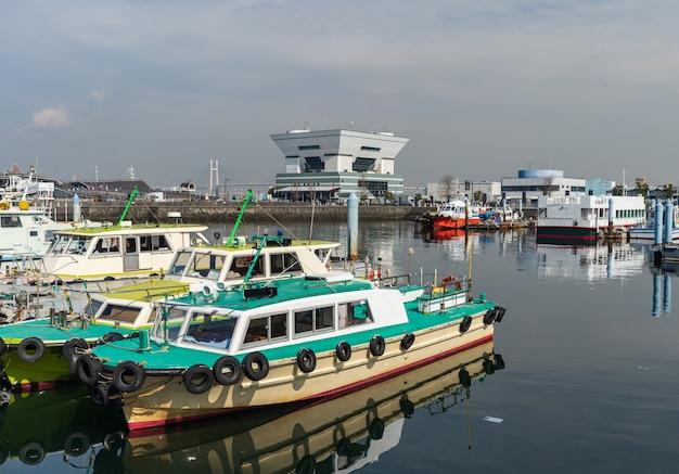 Port dans la baie de yokohama, japon