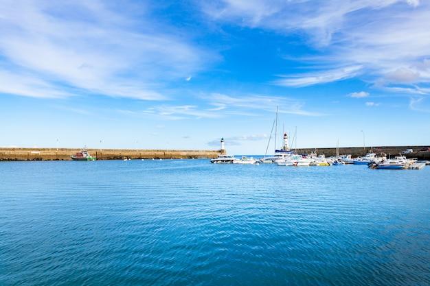 Port de la ville le palais dans l'île belle ile en mer dans le morbihan