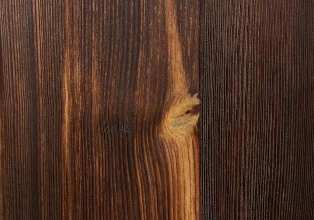 Porte ancienne en chêne marron devant bois qualité allemande en bois