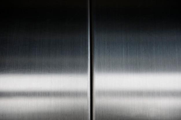 Porte d'ascenseur