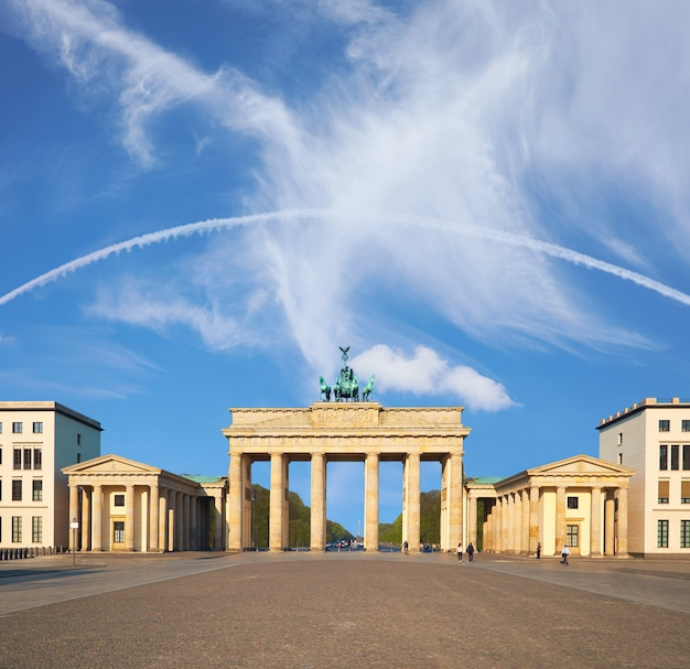 Porte de brandebourg à berlin, allemagne, copyspace texte