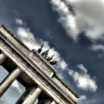Porte de brandebourg à berlin bâtiment quadrige
