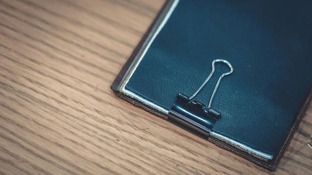 Porte-documents en cuir