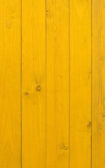 Porte jaune ancienne façade en chêne bois qualité allemande en bois