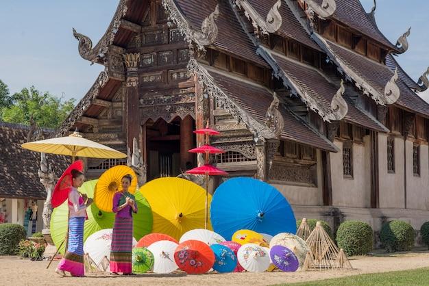 Porte-parapluie traditionnel fait main