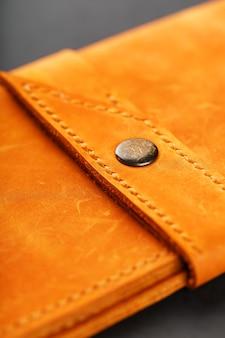 Portefeuille en cuir nubuck véritable brun foncé