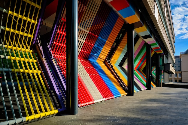 Portes colorées fermées du ministère néerlandais des finances à la haye, aux pays-bas