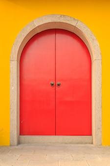 Portes et fenêtres des bâtiments du temple