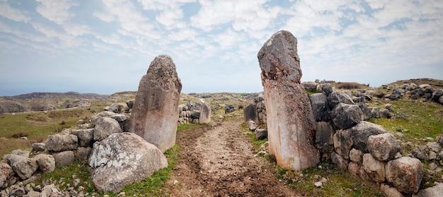 Portes à hattusa, capitale de la civilisation hittite - corum, turquie