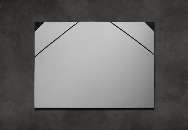Portfolio de dépliant en carton de l'artiste isolé sur un blanc