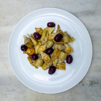 Portion de coeurs d'artichaut et d'olives