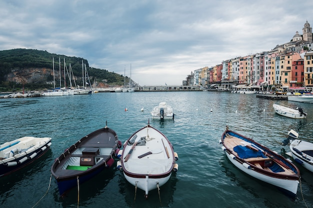 Porto venere, italie. vue sur le port. côte ligure, province de la spezia.