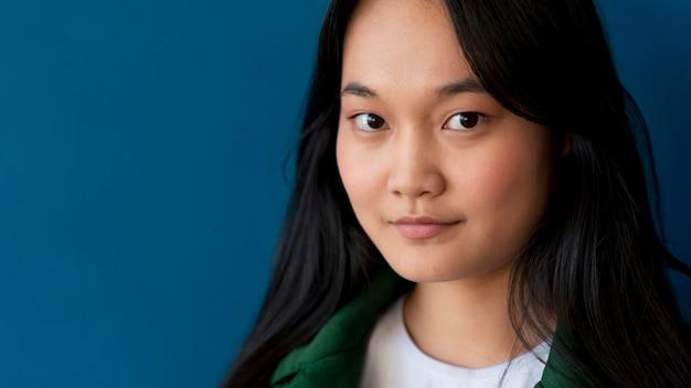 Portrait d'une adolescente asiatique