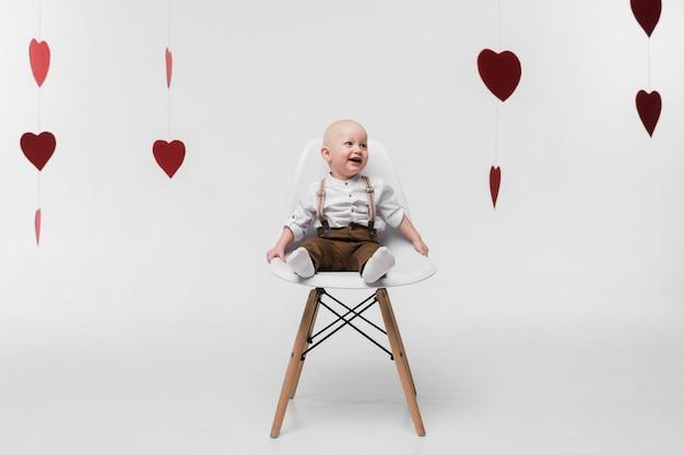 Portrait, de, adorable, bébé, regarder loin