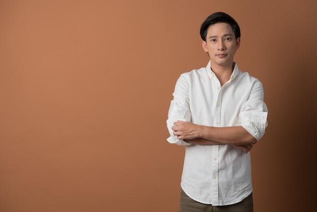 Portrait, asiatique, jeune homme, adolescent