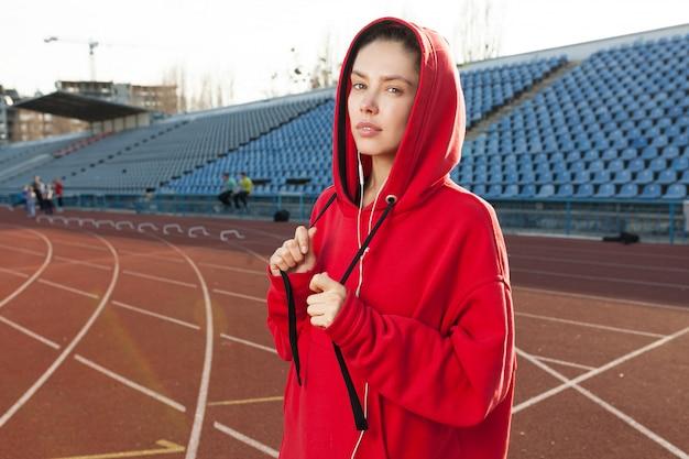 Portrait d'un athlète de belle fille