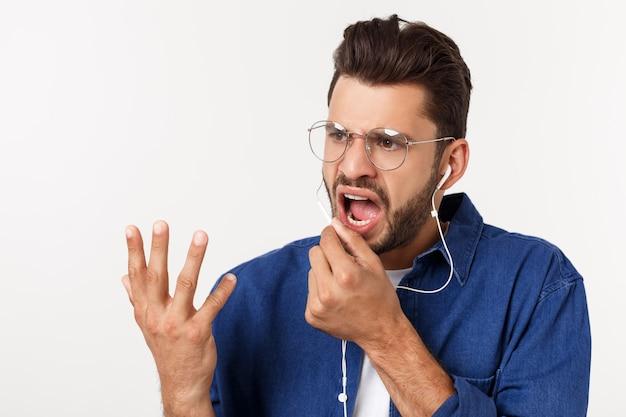 Portrait, de, a, beau, jeune homme, écouter musique, sur