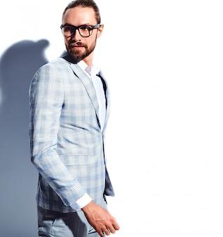 Portrait, de, beau, mode, élégant, hipster, homme affaires, modèle, habillé, dans, élégant, bleu clair, costume, dans, lunettes