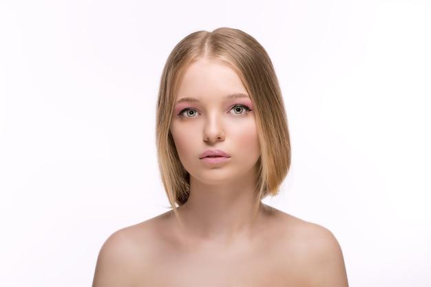 Portrait de beauté élégante de mode