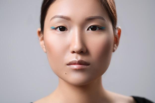 Portrait de beauté d'une femme