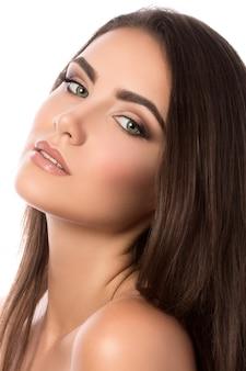 Portrait de beauté de jeune femme, concept de spa