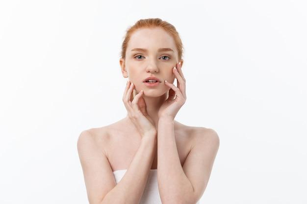 Portrait de beauté naturelle. belle femme de spa. peau fraîche parfaite.