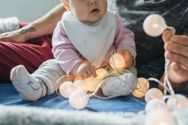 Portrait de bébé à la maison