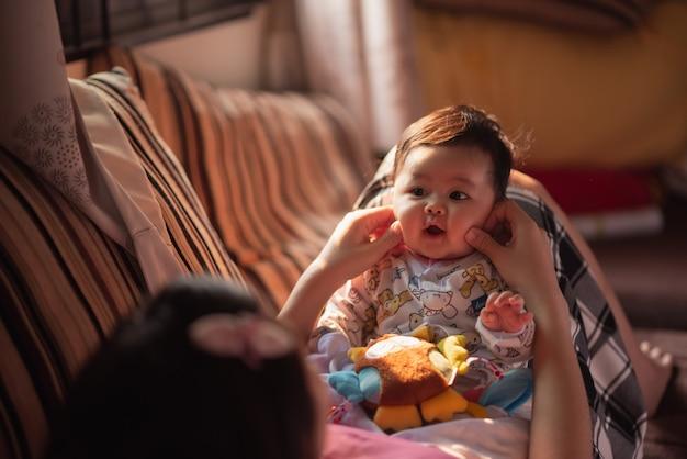 Portrait de bébé mignon