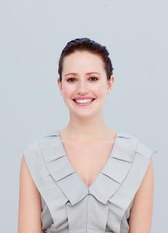 Portrait d'une belle femme d'affaires