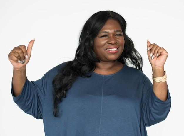 Portrait de belle femme afro-américaine mature