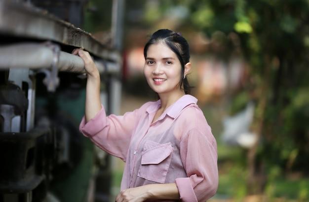Portrait de belle femme asiatique